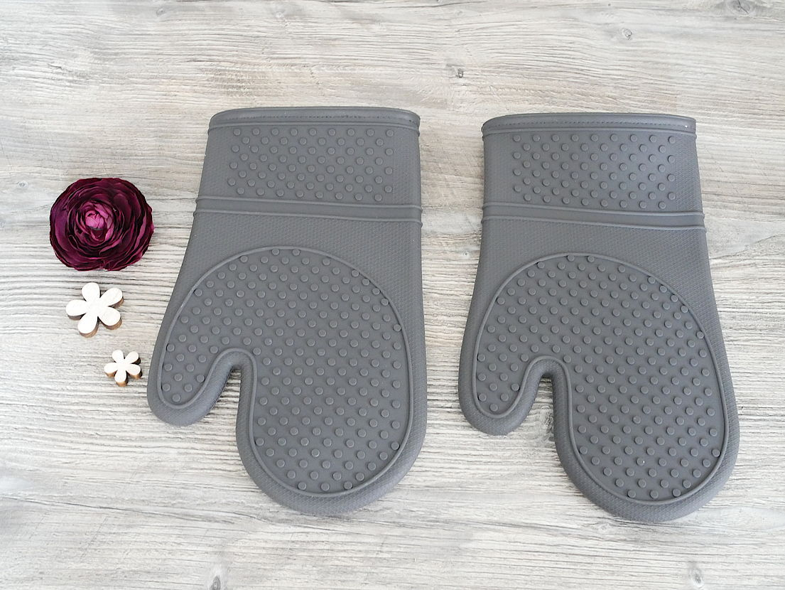 Packs an von Pampered Chef - Graue Silikonhandschuhe
