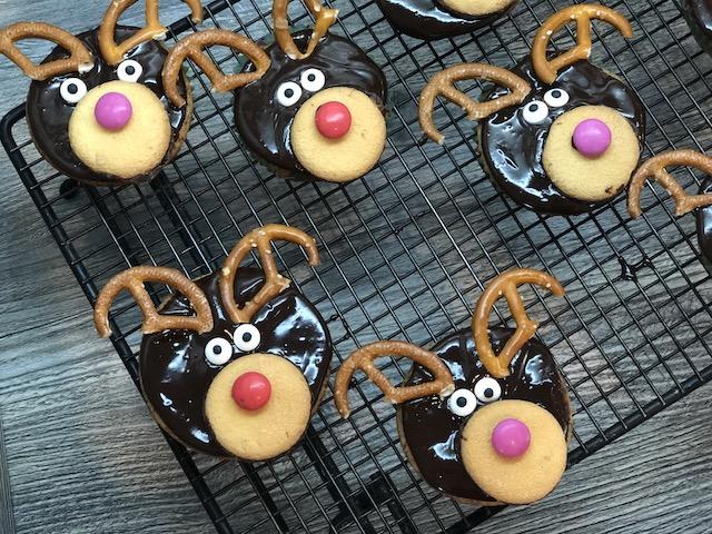 Rentier Muffins aus Muffin-Form von Pampered Chef® - gebacken und dekoriert
