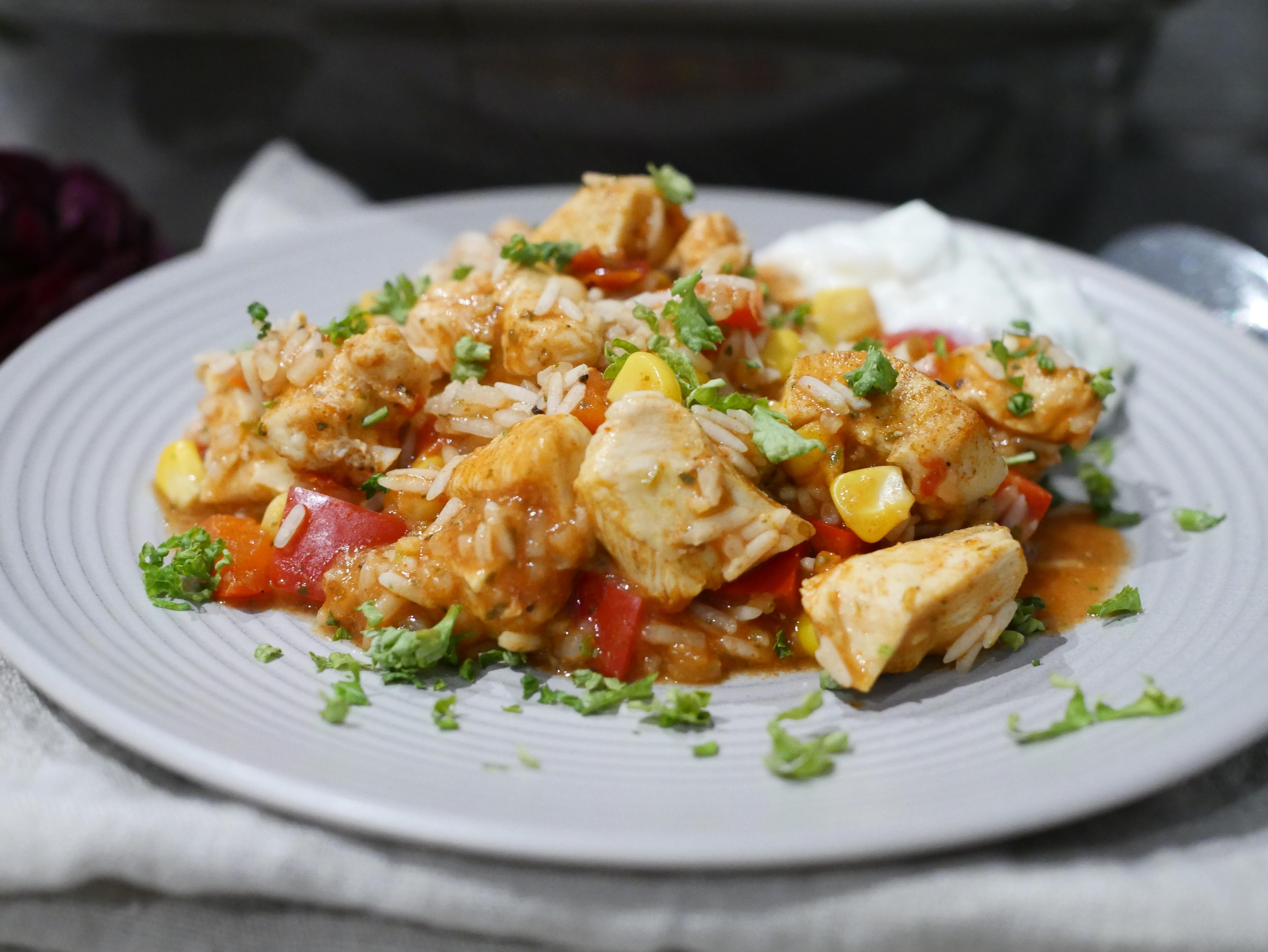 Portion auf Teller für Rezept Puszta Topf aus dem Ofenmeister von Pampered Chef®