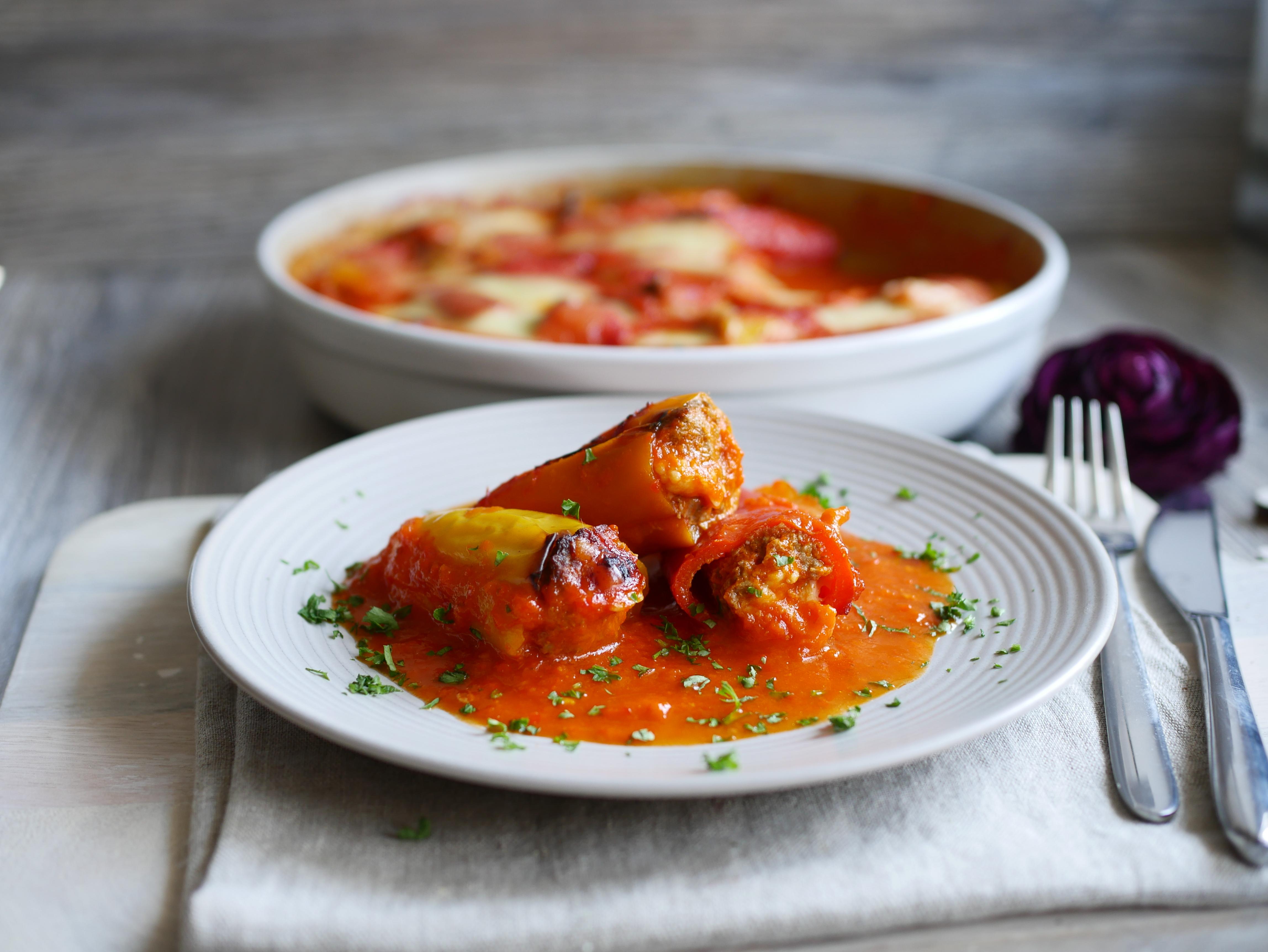 Paprikaschoten auf Teller für Rezept Mini-Paprika aus der runden Ofenhexe® von Pampered Chef®